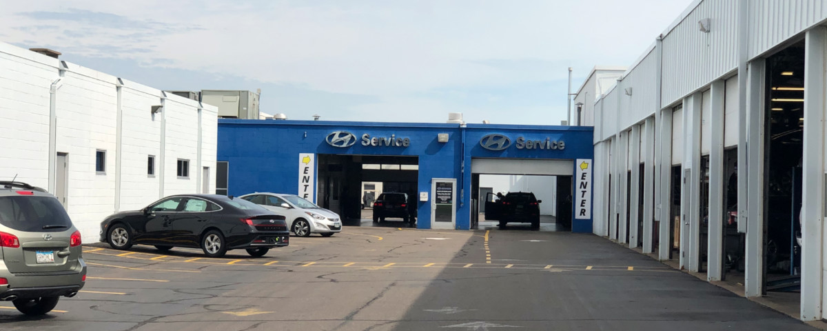Drive-in entrance to Buerkle Body Shop